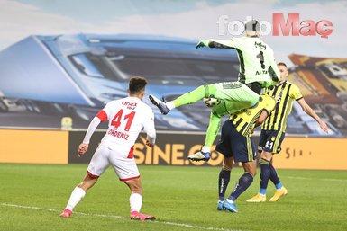 Son dakika spor haberleri: Fenerbahçe - Antalyaspor maçının ardından kırmızı kart çıktı! İşte o anlar...