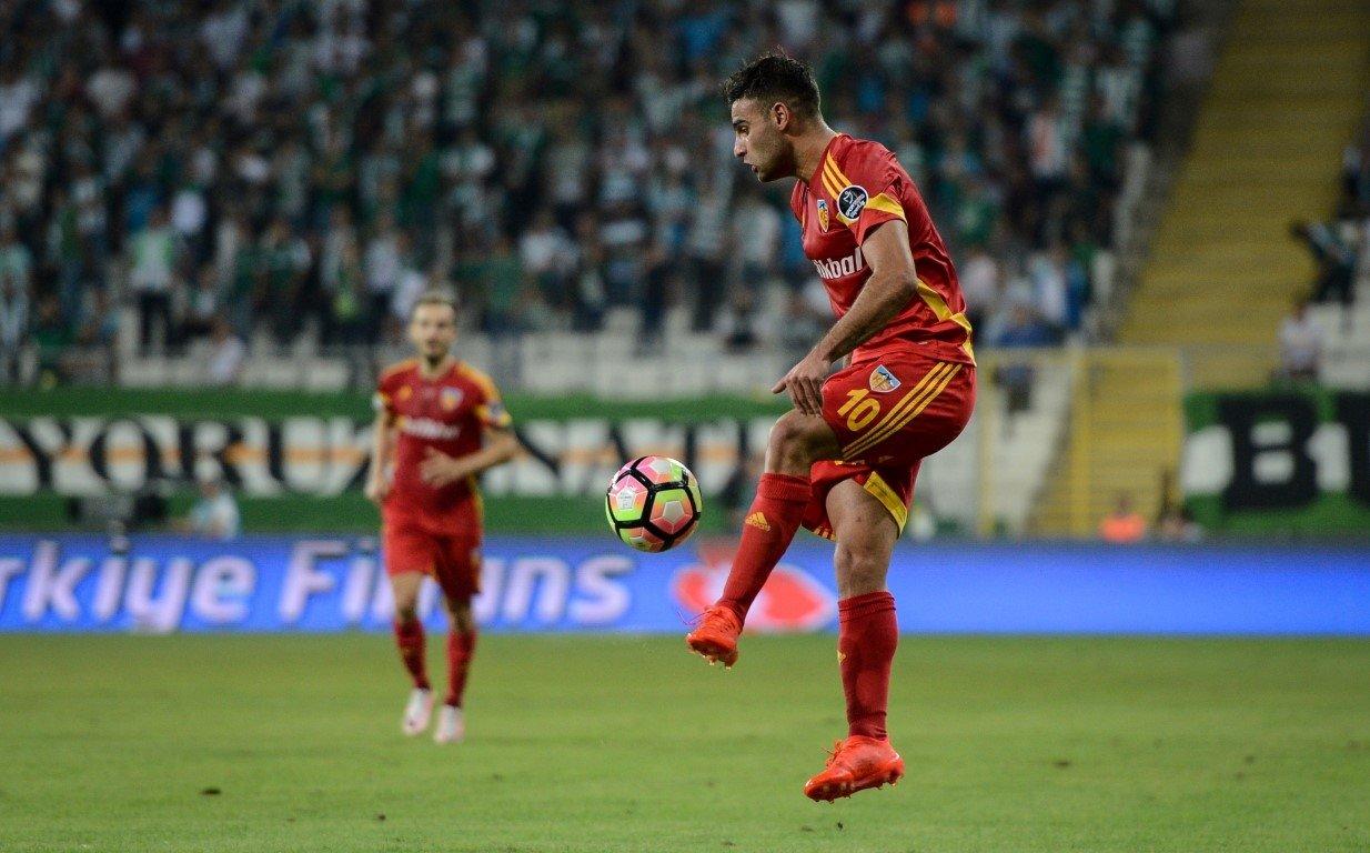Fenerbahçenin transferdeki hedefi Deniz Türüç