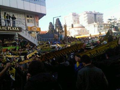 Dev derbi öncesi Fenerbahçeli taraftarlar