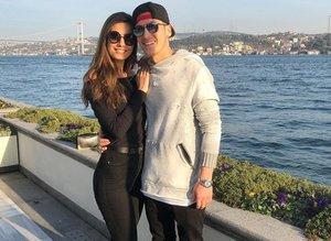 Hoşgeldin damat! Amine Gülşe'nin ailesi Mesut Özil'i ağırladı