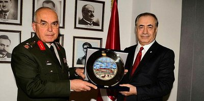 Orgeneral Musa Avsever Galatasaray'ı ziyaret etti