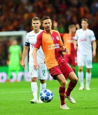 Galatasaray Martin Linnes'in doğum günü kutladı