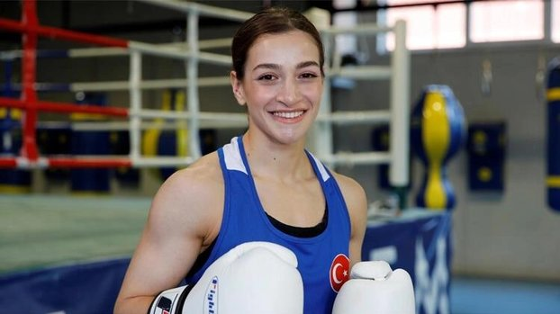 Son dakika spor haberi: Milli boksörümüz Buse Naz Çakıroğlu altın madalya kazandı