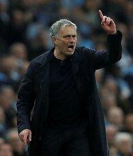 Jose Mourinho hem harcıyor hem kazandırıyor!