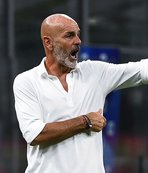 AC Milan extends coach Pioli's contract for two years