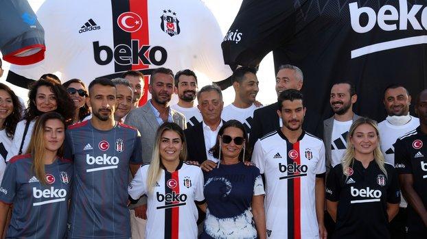 Beşiktaş yeni sezon formalarını tanıttı! İşte davetten kareler... (BJK spor haberi)