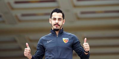 Yasir: Futbolu iple çekiyorum