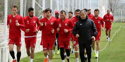 Sivasspor Göztepe hazırlıklarına başladı