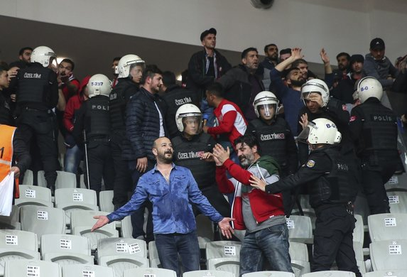 Beşiktaş - Karşıyaka maçında olay