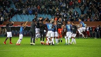 Trabzonspor taraftarı tribün şov yaptı!