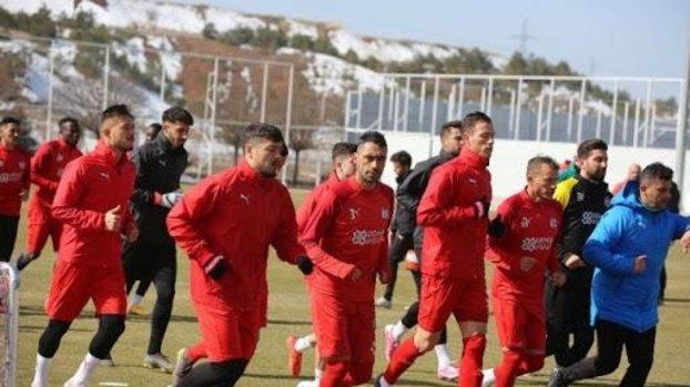 Son dakika spor haberi: Sivasspor'da kritik Galatasaray maçı öncesi 5 eksik! #