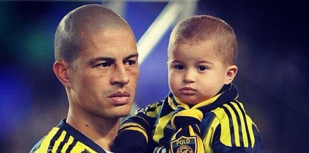 Alex De Souza'nın oğlu Felipe babasının izinden gidiyor!