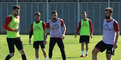 Futbolun yarım asırlık çınarı kümede kalma savaşı veriyor