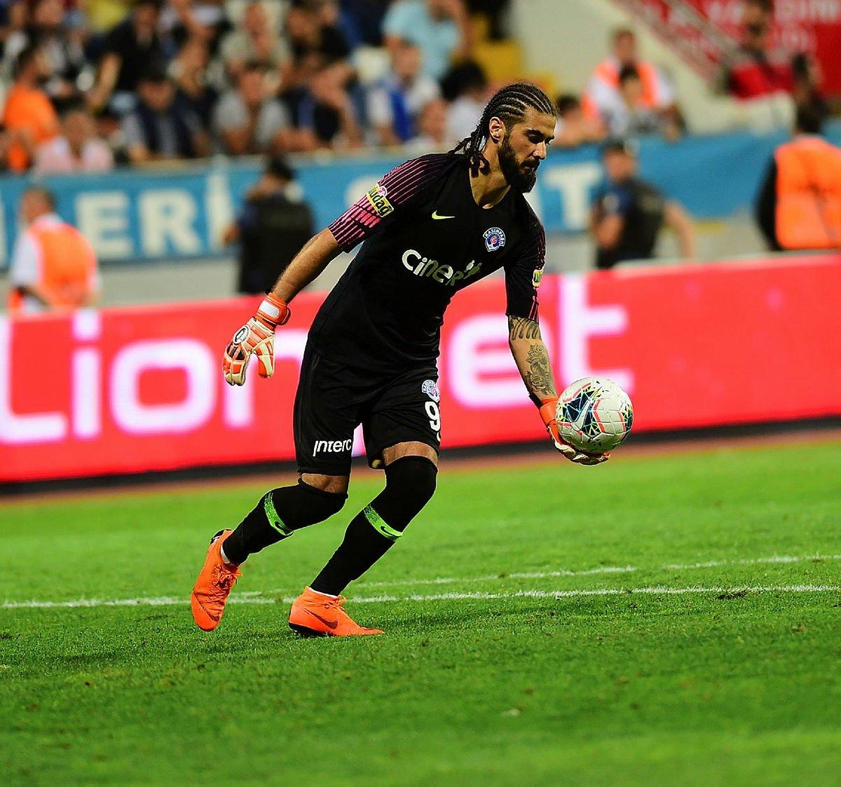 Teklife 'Evet' dedi! Galatasaray 5. transferini bitirdi - Futbol -