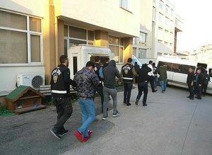 Olaylı Fenerbahçe-Beşiktaş derbisinde gözaltına alınanlar adliyeye sevk edildi