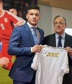 Real Madrid, Jovic'i tanıttı