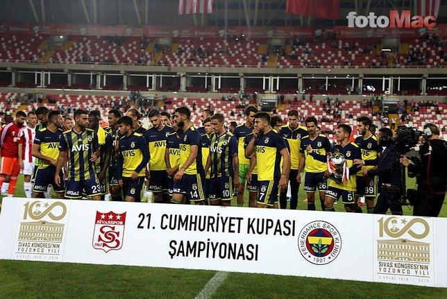 Fenerbahçe'yi yıkan açıklama: Takımda kalacak