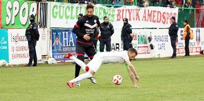 Amed Sportif 2 futbolcuyla anlaştı