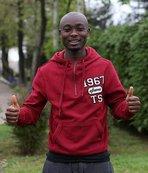 Serge Akakpo kendinden emin