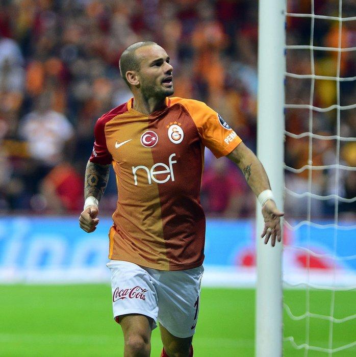 Bir skandal daha! Sneijder...