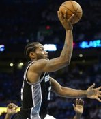 Spurs finally trade Leonard to Toronto