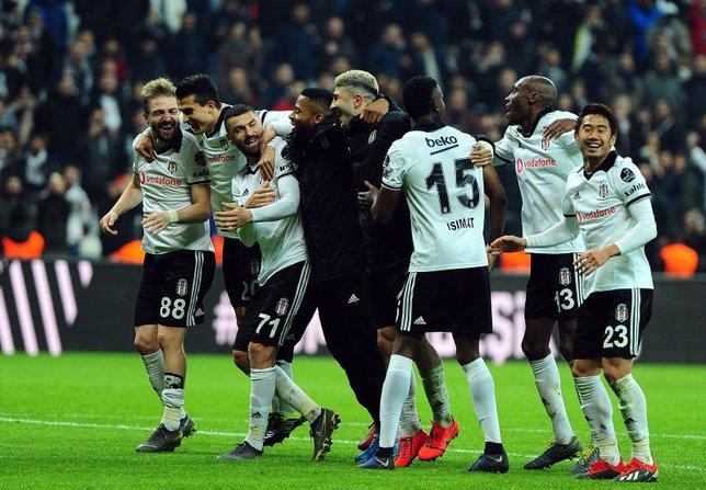 Beşiktaş'ın yeni hücum dörtlüsü: Lens-Kagawa-Ljajic-Burak