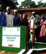 Bursaspor taraftarları Uganda'da su kuyusu açtırdı
