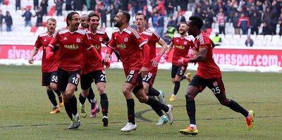 Sivasspor zirveye bir adım daha yaklaştı