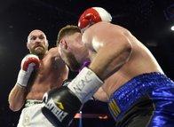 Kanlı maçın galibi Fury oldu! Yine yenilmedi