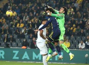 Fenerbahçe - Gençlerbirliği maçından kareler...