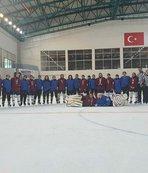Kayseri Buz Hokeyi Türkiye üçüncüsü