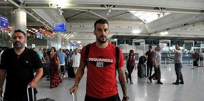 Beşiktaşlı Alvaro Negredo Al Nasr'a imza atmak için Dubai'ye gitti!
