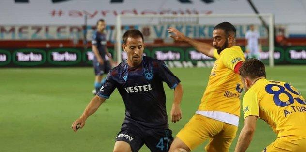 Trabzonsporlu Pereira Galatasaray maçında cezalı duruma düştü