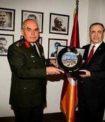 Orgeneral Musa Avsever'den Galatasaray'a ziyaret