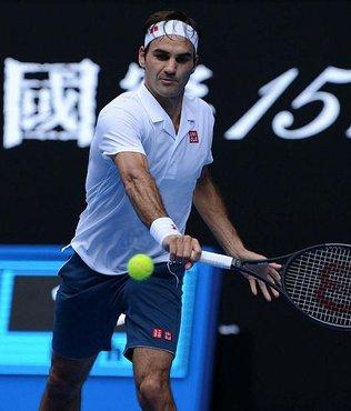 Federer ve Wozniacki set vermeden tur atladı
