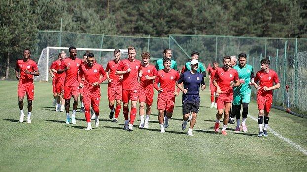 Son dakika spor haberi: Sivasspor'un Petrocub maçı kafilesi belli oldu