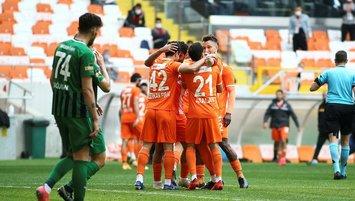 Adanaspor 3 puanı 3 golle aldı!