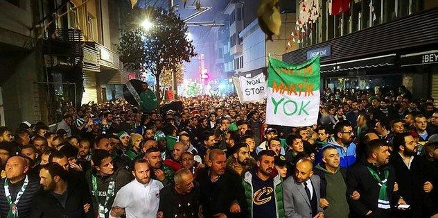 Bursaspor taraftarı şehrin takıma sahip çıkması adına yürüdü
