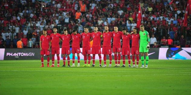 Galatasaray ve Fenerbahçe yıldız isim için karşı karşıya!