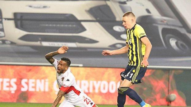 Fenerbahçeli Szalai'den müthiş müdahale #