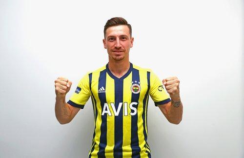 son dakika mert hakan yandas resmen fenerbahcede 1596715336314 - Son dakika: Mert Hakan Yandaş resmen Fenerbahçe'de!