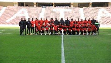 Atakaş Hatayspor kafilesi yeni stadı gezdi