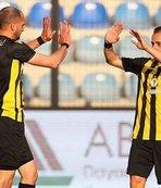 İstanbulspor Adanaspor'u rahat yendi!