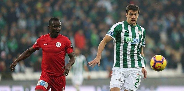 Antalyaspor Bursa'da galip!