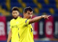 Fenerbahçe aradığı sol beki Süper Lig'de buldu! Resmi teklif...