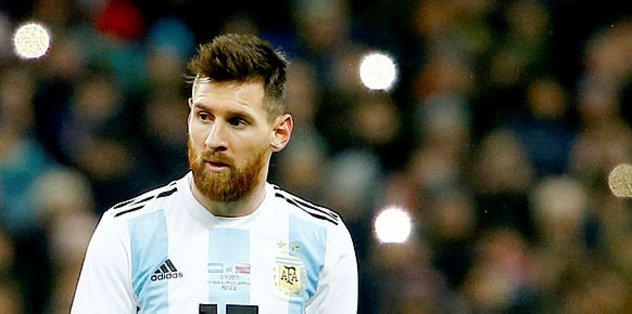 FFD'den Messi'li kapak