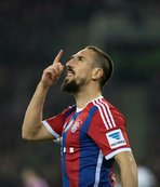 Ribery herkese öneriliyor