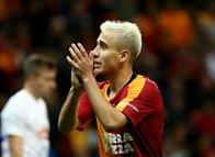 Galatasaray taraftarından Emre Mor tepkisi! 'Halı sahada oynayamaz'
