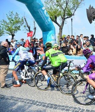 Cumhurbaşkanlığı Türkiye Bisiklet Turu'nun üçüncü etabı Çanakkale'den başladı