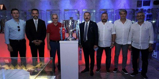 Türkiye Kupası Trabzonspor Şamil Ekinci Müzesi'ndeki yerini aldı - Futbol -